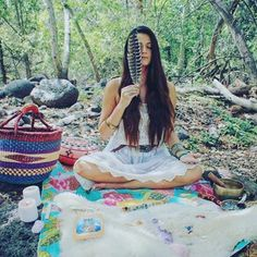 My beautiful sister goddess @racheloftherose in her divine sacred space out in nature. Such a beautiful soul sharing so many ways to connect with nature. #sisterhood #sacred #nature