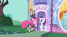 Pinkie invites Rarity to a party