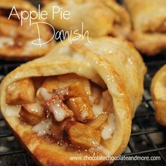 Apple Pie Danish-fast and easy to assemble, perfect for breakfast, snack or dessert! Wonder if you could just use a ready made pie crust? Just Desserts, Delicious Desserts, Yummy Food, Health Desserts, Breakfast Recipes, Dessert Recipes, Breakfast Cookies, Danish Food, Danish Pastries