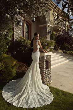 Vestido de casamento com decote nas costas. Veja a coleção aqui:: http://bridalmusings.com/2013/08/galia-lahav-wedding-dress-2014-the-empress-collection/