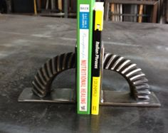 Horse Shoe Book Ends by AmericanMetalArt1 on Etsy