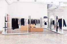 Custom design and fit out of Everlane's first ever physical showroom,  located at the center of their open office in San Francisco.