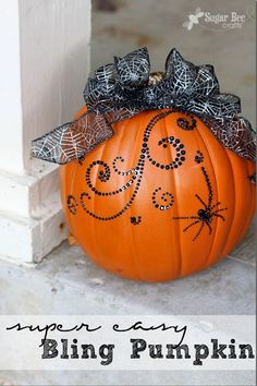Super Easy Bling Pumpkin Décor by @Nathalie Montecchi Bearden Bee Crafts #MPumpkins