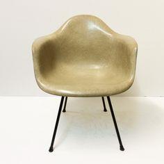 Eames Rope Edge Zenith Chair Color Greige Base Black X Base Info 1st Gen.  Zenith Plastics 1952 Price Sold U20ac 1750,