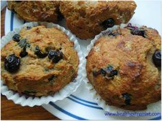 Grain free, Gluten free, Yeast free, Dairy free, and Low carb Paleo Blueberry Muffins / @Health Extremist / http://www.healthextremist.com/paleo-blueberry-muffins-coconut-flour-blueberry-muffins/