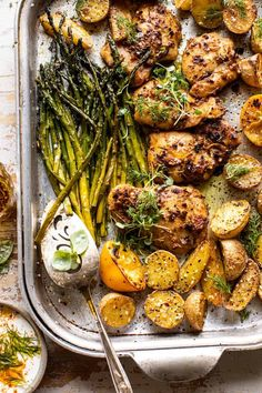 Bringing you all some springtime vibes with this Sheet Pan Lemon Rosemary Dijon Chicken + Potatoes with Feta Goddess Sauce.not your average pantry dinner! Lemon Rosemary Chicken, Dijon Chicken, Baked Chicken, Rosemary Recipes, Fodmap, Recipe Sheets, Half Baked Harvest, Chicken Potatoes, Cooking Recipes