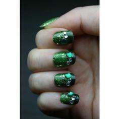 Green glitter's nails