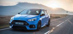 Im Juni 2017 hat Ford den überarbeiteten Ford Focus RS 2017 Blue & Black vorgestellt. Hier Bilder, Infos und Daten zum neuen Sportwagen von