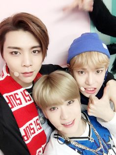 #NCT127 #심플리케이팝 무대에서 찰칵! #윈윈 #WINWIN #윈윈 #WINWIN #윈윈 #WINWIN #도영 #DOY