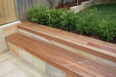 retaining wall with seating