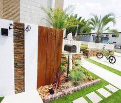 カリフォルニアスタイル 外構 - Google 検索 Surf House, My House, Hawaiian Gardens, Safari, Porch Wall, Exterior Design, Home Projects, Surfing, Outdoor Structures