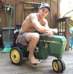 Nice ride Hot Cowboys, Def Not, Male Feet, Country Boys, Toys For Boys, Boy Toys, Sexy Men, Sexy Guys, Outdoor Power Equipment