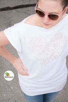 www.libminna.at T Shirts For Women, Tops, Fashion, Fabrics, Clothing, Moda, Fashion Styles, Fashion Illustrations
