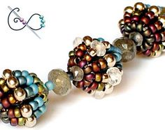 Free Spinning Top Beaded Bead Patternby Gwen Fisher featured in Bead-Patterns.com Newsletter!