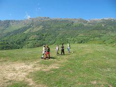 Disfrutando de la naturaleza  y el senderismo a lo largo de una de las etapas del Anillo Ciclista de la Montaña Central de Asturias Paradise, Nature, Travel, Trekking, Paths, Naturaleza, Viajes, Destinations, Traveling