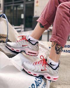 Best Sneakers, Air Max Sneakers, Sneakers Nike, Sneakers Fashion, Nike Air Max Plus, Air Max 1, Nike Tn, Nike Air Shoes, Photo Blue