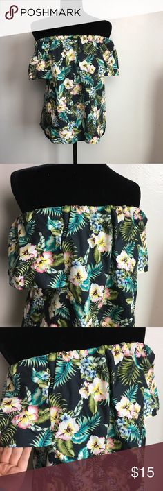 Hawaiian Floral Off the Shoulder Top Brand new with tags and true to size.  Back has an open triangle shape.  Super cute! Tag says size 12.  Can easily fit large 12-14. Topshop Tops