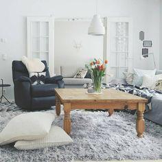 White aluminum hanging lamp Ivo - by Sessak   Photo credit @lukindae  #seesak #sessaklighting #sessakdesign #bysessak #repost #ivo #luminaire #valaisin #lamppu #riippuvalaisin #scandinavianhome #nordiskehjem #livingroom #interior #inredning #etuovisisustus #interior4all #inspiroivakoti #interiordesign #interiorinspiration #sisustusinspiraatio