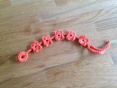Pattern/patroon Flower bracelet crochet / bloemetjes armband haken door EssiesEtsys op Etsy