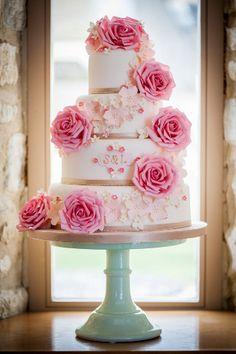 Wedding Magazine - Lookbook: statement wedding cakes