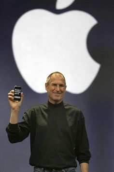 Steve Jobs iPhone! the world's 1st real SmartPhone