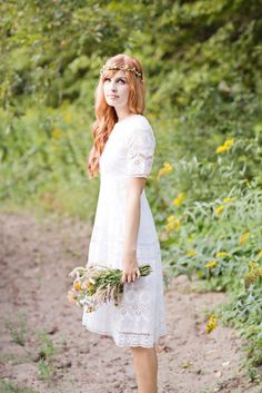Love this white vintage wedding dress