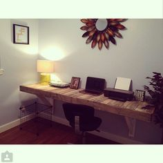 Beautiful Reclaimed Pallet Wood Desk by OVWood on Etsy https://www.etsy.com/listing/207127995/beautiful-reclaimed-pallet-wood-desk