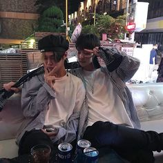 Korean Boys Ulzzang, Ulzzang Couple, Ulzzang Boy, Parejas Goals Tumblr, Pose Reference Photo, Couple Aesthetic, Cute Gay Couples, Korean Couple, Asian Boys
