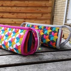 Okay check out these amazing woven gifts made by the amazingly talented ! This photo shows the… Fabric Weaving, Weaving Art, Weaving Patterns, Woven Fabric, Sew Together Bag, Rainbow Quilt, Fabric Purses, Needle And Thread, Ribbons