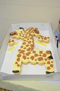 Giraffe Cupcake Cake!!! :)