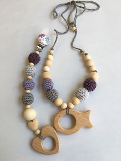 Conjunto de collar de lactancia y juguete de dentición. Modelo  Mauve. 100% hecho a mano. Nursing necklace.Teething Bracelet de Trapitobebe en Etsy
