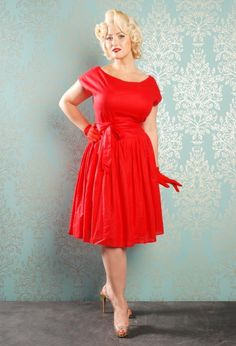 Vintage Style Pleated Linen Dress in Red