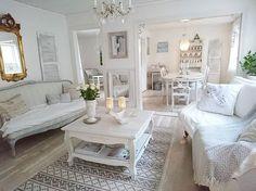 Shabby and Charme: Mix di stili per una bella casa svedese