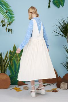 Pleat Pinafore http://www.thewhitepepper.com/collections/spring-15/products/pleat-pinafore