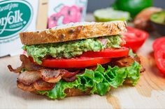 Guacamole and bacon are a fabulous flavour combo and the tomato and avocado combo is hard to beat so you know that this Guacamole BLT sandwich is going to be a winner!