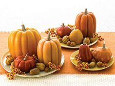Google Image Result for http://www.blogcdn.com/www.kitchendaily.com/media/2010/10/martha-fall-centerpieces-msl-456.jpg