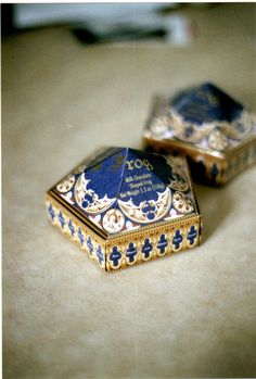 Chocolates in pretty, tiny boxes