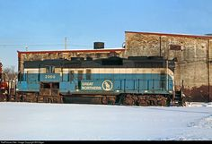 Net Photo: GN 2000 Great Northern EMD at Minneapolis, Minnesota by Bill Edgar Great Northern Railroad, Train Posters, Burlington Northern, Train Pictures, Locomotive, Great Photos, The Past, Minneapolis Minnesota, Santa Fe