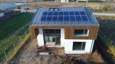 #2 Casa Buhnici locație George Buhnici și-a construit casa în Tămași, Ilfov, langă Buftea (zona Corbeanca). Solar Panels, Cool Places To Visit, Georgia, Cool Stuff, Outdoor Decor, Home Decor, Houses, Faucet, Sun Panels