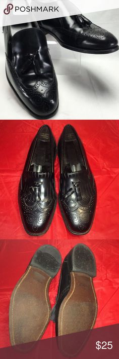 Dexter Wingtip Tassle Leather Loafer Gorgeous mens' leather dress loafer. Worn, mostly showing on bottom and inside partially removed I sole. Outer leather 100% pristine! Comes with formers. Dexter Shoes Loafers & Slip-Ons