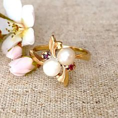 Mid-Century Pearl Ring 2 Round 5mm White by RedGingerJewelryCo