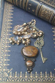 Vintage Assemblage Vintage jewelry gemstone by IRISHTREASURE Key Jewelry, Gothic Jewelry, Statement Jewelry, Jewelry Findings, Jewelry Crafts, Jewelry Ideas, Jewellery, Unique Jewelry, Yule
