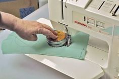 Sew a circle easily THIS really does work, Perfect circles each time.