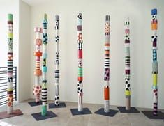 Sally Russell:Totems 2012 ceramic These multi-colored- totems are inspired by. - Sally Russell:Totems 2012 ceramic These multi-colored- totems are inspired by indigenous forms a - Collaborative Art Projects, Group Projects, Garden Totems, Group Art, Painted Sticks, Middle School Art, High School, Contemporary Sculpture, Art Club