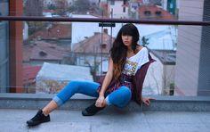 Pimp your style cu Deea Cudeea, Sinzi & KENVELO Fall Winter 2013/2014 Lasati-va inspirate de stilul celor 2 tinere! Pimp your style cu Deea Cudeea, Sinzi & KENVELO Your Style, Sporty, Fashion, Moda, Fashion Styles, Fasion