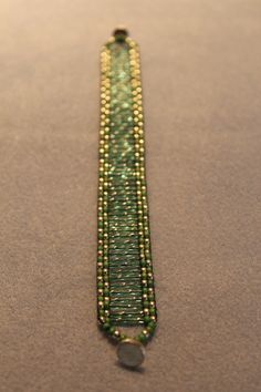 Bugle Bead Bracelet Super simple tutorial for this great loom woven piece