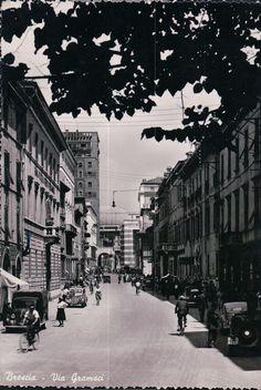 Via Gramsci - Brescia Immagine inviata da Alfredo Agnellini http://www.bresciavintage.it/brescia-antica/cartoline/via-gramsci-brescia/