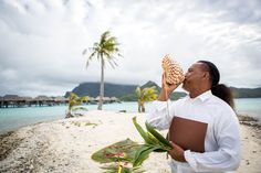 The traditional Polynesian wedding includes a conch blower, musicians, dancers and a Tahitian priest or Tahua.