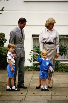 Prince Charles, Princess Diana and Prince William accompanying Prince Harry on his first day at Mrs. Mynor's nursery school, London, September (Photo by Jayne Fincher/Hulton Archive/Getty Images) via Prince William News, Prince William Family, Prince William And Harry, Prince Harry And Meghan, Prince Charles, Princess Diana Images, Princess Diana Death, Princess Meghan, Royal Family Pictures