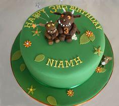 Gruffalo and Gruffalo Child cake Camo Wedding Cakes, White Wedding Cakes, Cake Wrecks, Cake Images, Cake Pictures, Gruffalo Party, 3rd Birthday Cakes, Birthday Ideas, Woodland Cake